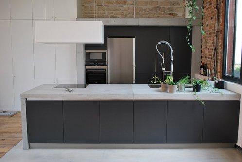 Plans de travail b ton cir 38x640mm 200cm saint ambroix for Prix beton cire plan de travail cuisine