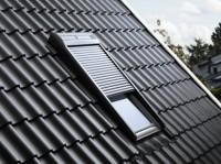 Volet roulant électrique SML pour fenêtres de toit VELUX 134x140cm