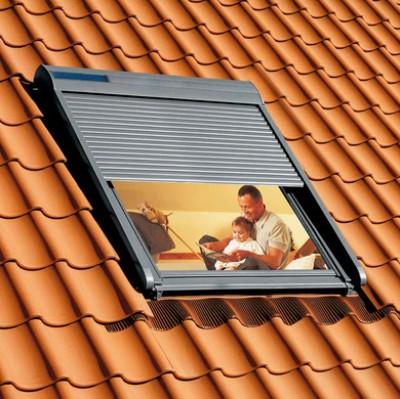 volet roulant solaire t l commande velux senlis 60300 d stockage habitat. Black Bedroom Furniture Sets. Home Design Ideas