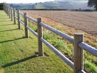 Poteau clôture RANCH intermédiaire traitement classe 4 vert 140x1500mm appointes 2 lisses