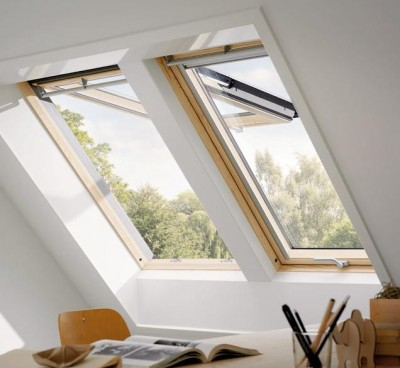 fen tre projection confort finition bois velux troyes 10000 d stockage habitat. Black Bedroom Furniture Sets. Home Design Ideas
