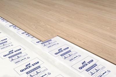 sous couche pour livyn 15m2 quick step beauvais 60000 d stockage habitat. Black Bedroom Furniture Sets. Home Design Ideas