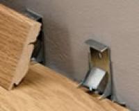 Boîte de 50 clips pour plinthes Quickstep