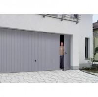 Porte de garage basculante acier débordante avec portillon N80 sens droite 200x300cm