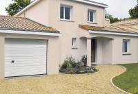 Porte de garage sectionnelle ISO 20 nervurés larges woodgrain - sans poignée - premontée blanc 2125x2500mm