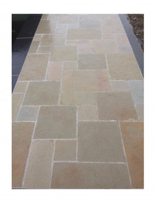 Bordure calcaire TANDUR beige bords éclatés vieillis 50x10x6cm