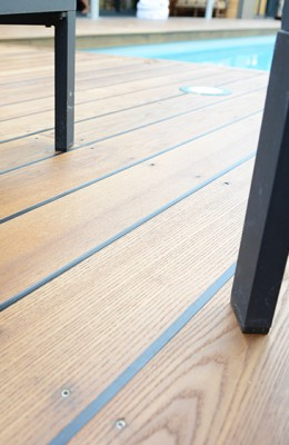 Lame de terrasse frêne thermo chauffe THT A/B rainurée fixation traditionnelle 21x140x2400mm