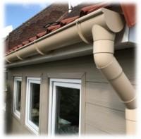 Gouttière PVC sable développé 25cm longueur 4ml