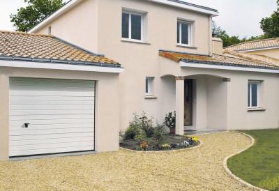 Porte de garage sectionnelle iso20 nervure wood blanc avec serrure 2375x2000mm novoferm olonne - Porte de garage eveno ...