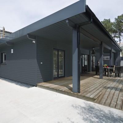 bardage bois fa ade pic a gris anthracite ral 7016. Black Bedroom Furniture Sets. Home Design Ideas