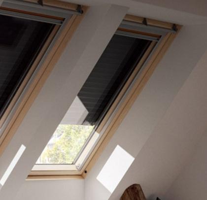 volet roulant lectrique 1140x1400mm sans t l commande velux france sud ouest mulsanne 72230. Black Bedroom Furniture Sets. Home Design Ideas
